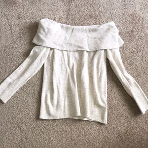Abercrombie & Fitch Sweaters - Abercrombie & Fitch off the shoulder sweater